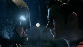 Batman v Superman - Dawn of Justice | Ultimate Blu-ray Edition wird R-Rated!